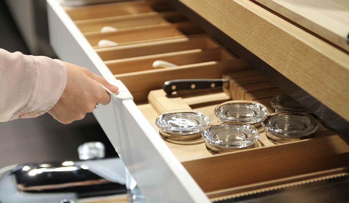 Mobile cucina maniglie e accessori