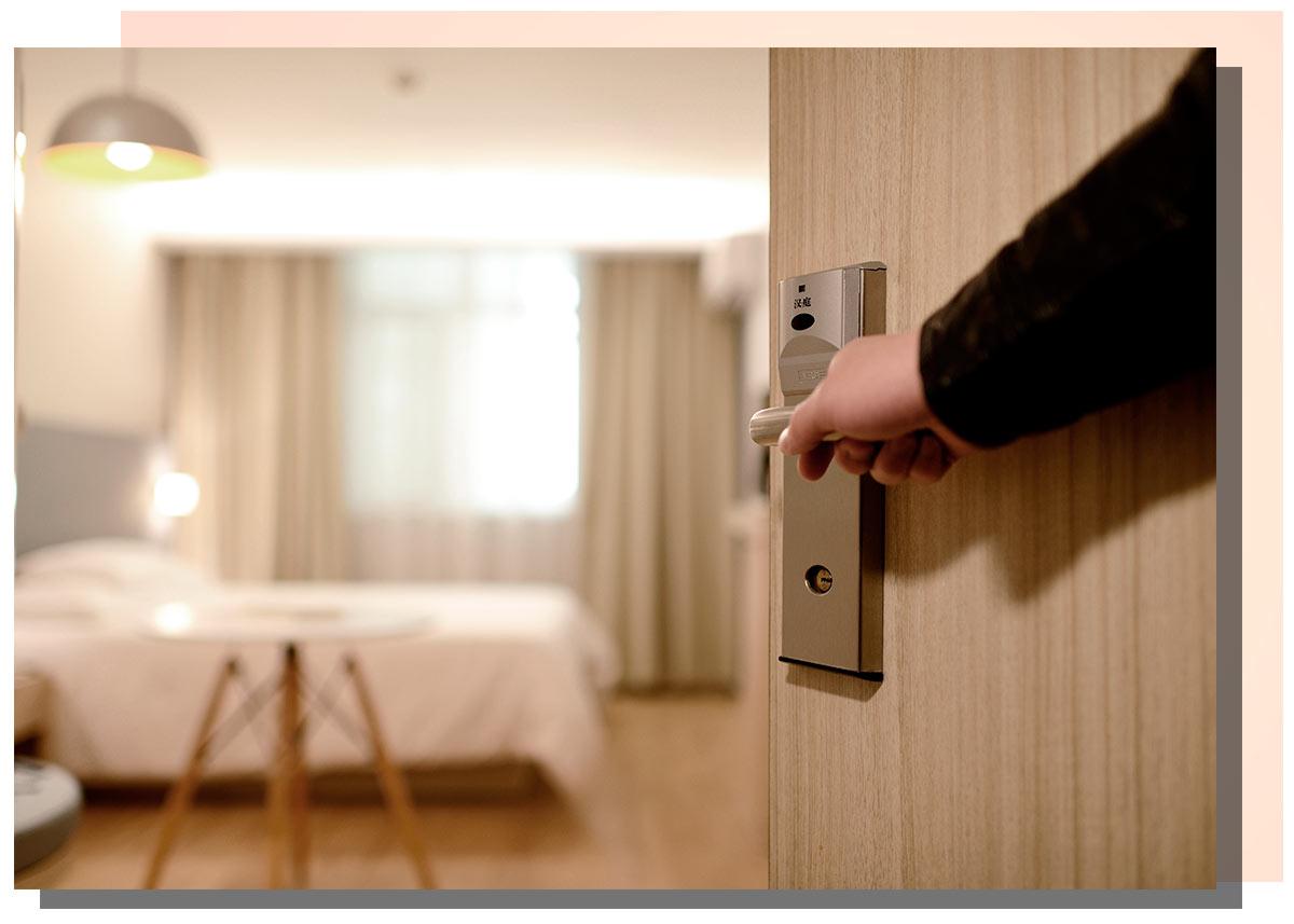 Contract-arredamento-hotel-Lops-Milano