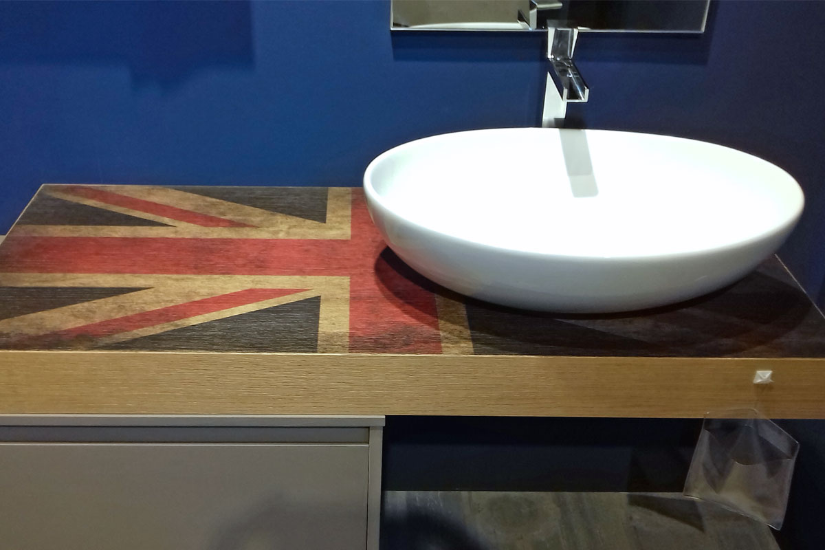 Arredo bagno outlet top lops new brera ce outlet mobili for Outlet mobili milano e provincia