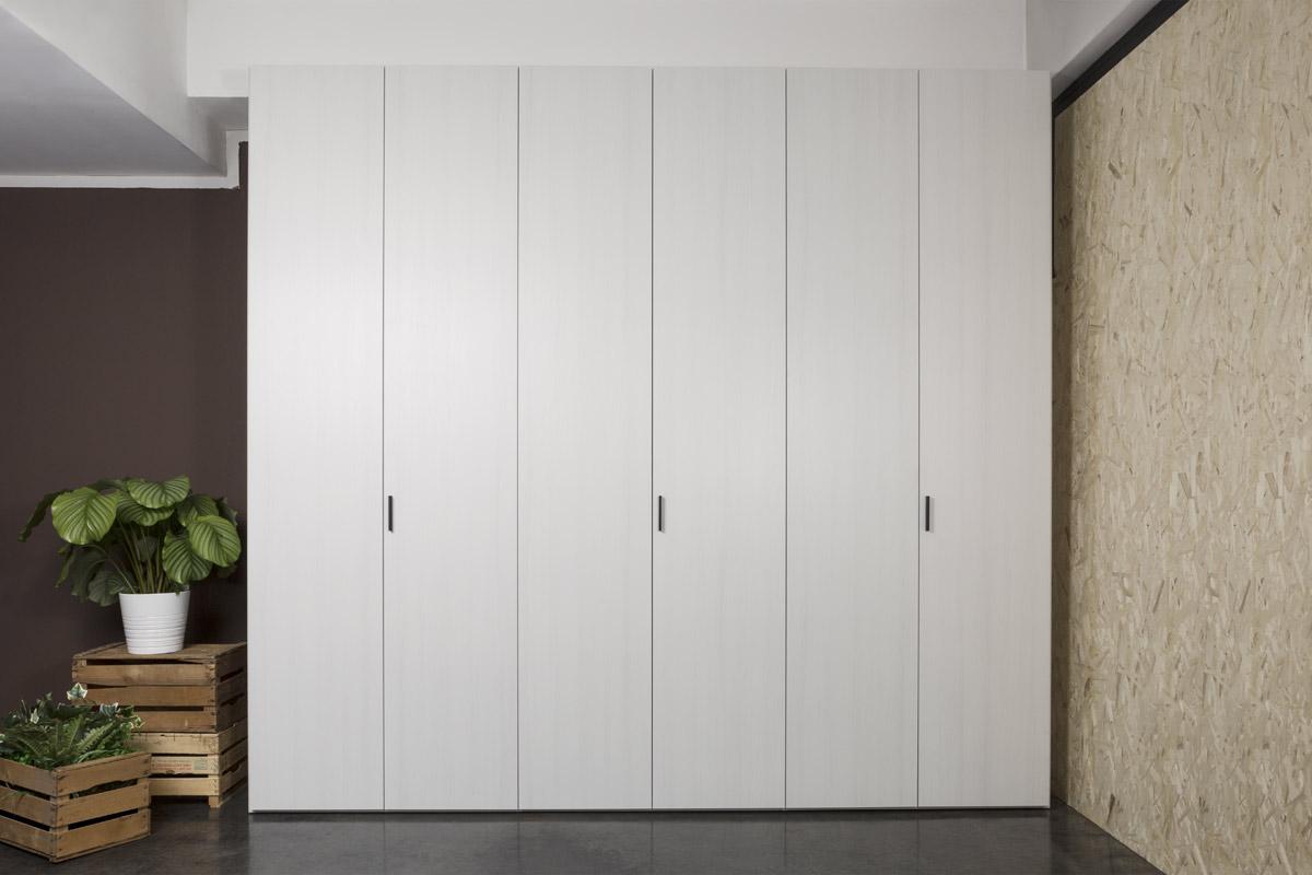 Armadi camere da letto letti armadi como e comodini for Armadi in alluminio per esterni milano