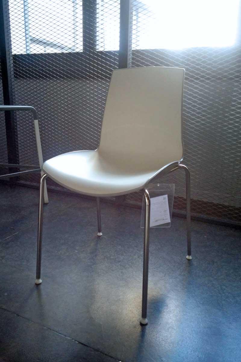 Sedia outlet collezione lops glossy acquistabile in for Outlet della sedia milano