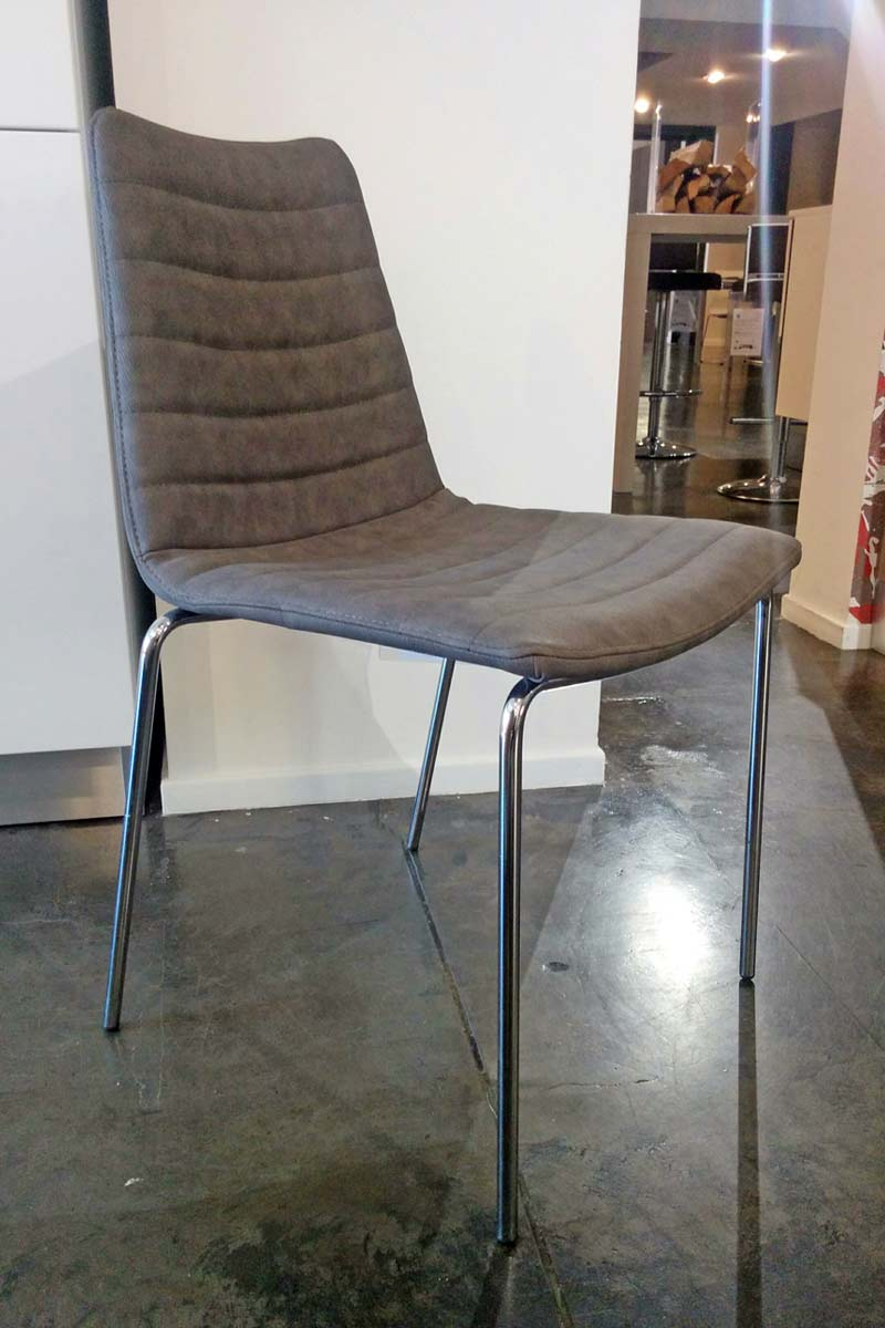 Sedia outlet collezione lops cover acquistabile in for Outlet della sedia milano