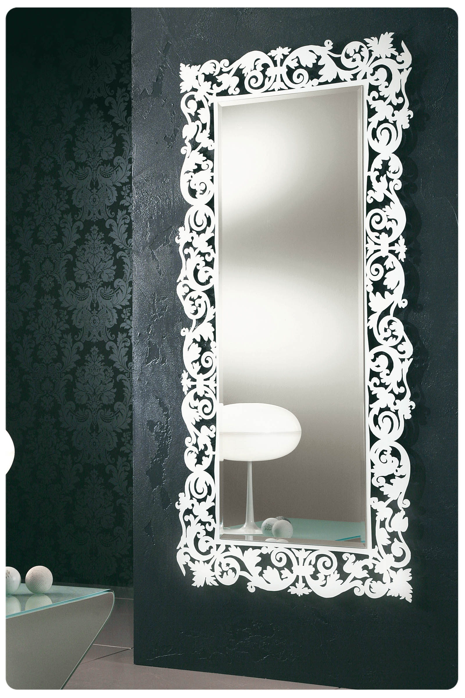 http://www.lops.it/images/products/complementi/specchiera-moderna-riflessi-romantico-00.jpg