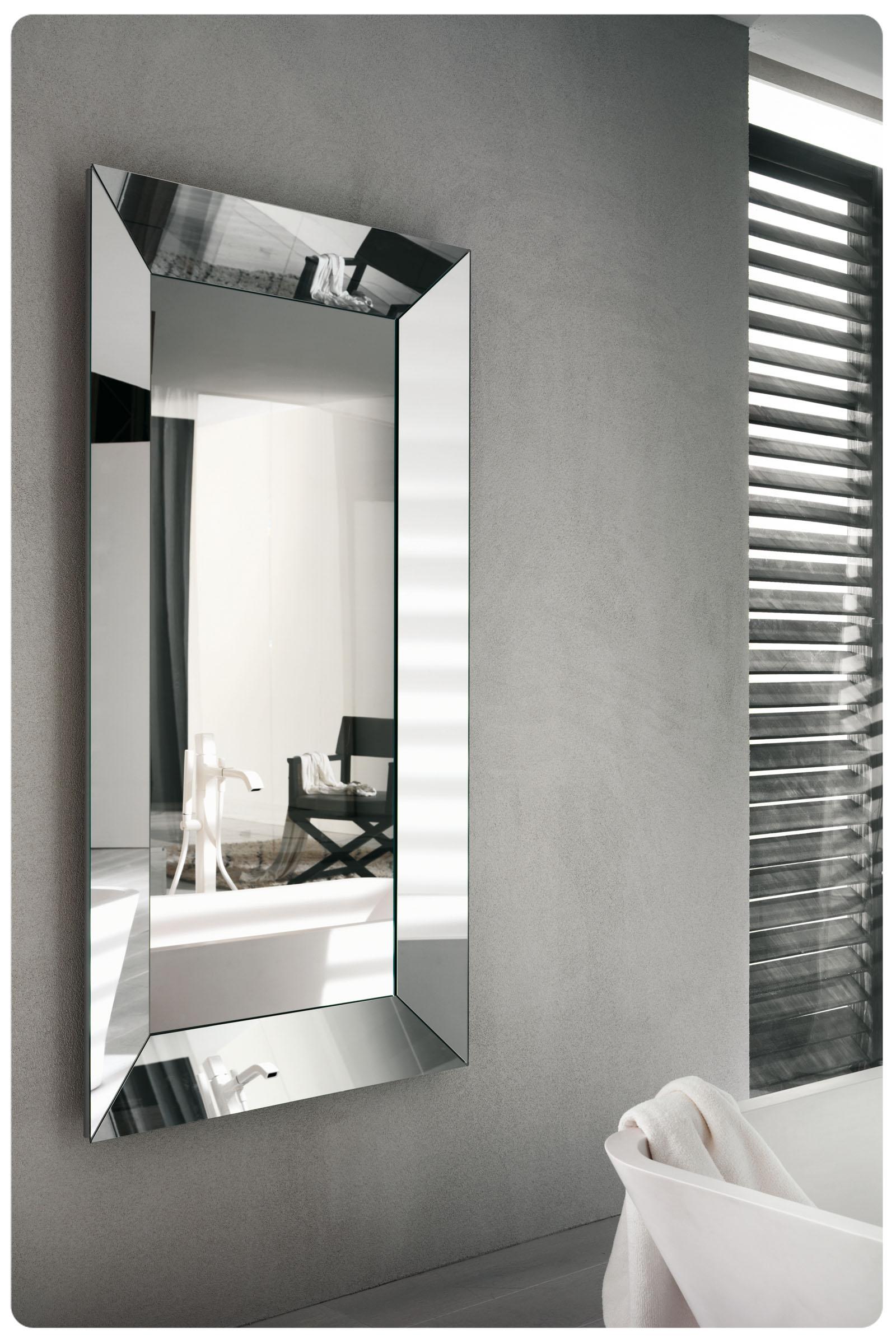 Specchi tavoli sedie consolle classici e moderni for Design moderno