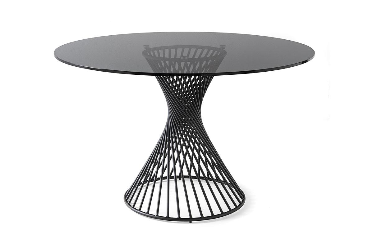 Tavolo moderno calligaris vortex tavoli acquistabile for Calligaris comodini