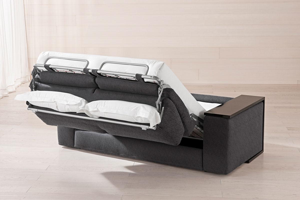 Divani milano offerte divano e poltrone in pelle e legno for Divani letto usati milano e provincia