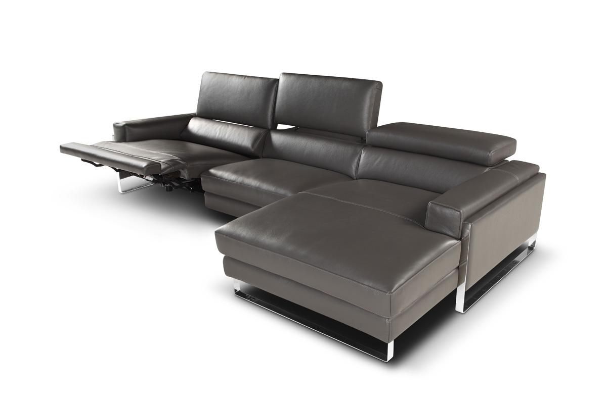 http://www.lops.it/images/products/divani/divano-moderno-calia-romeo-05.jpg