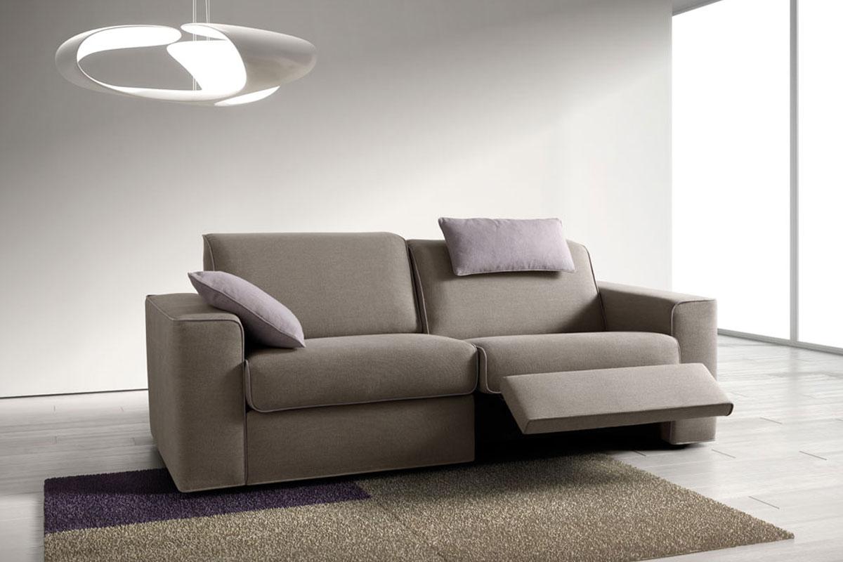 Divani moderni milano divani maspero mobili in brianza ad - Cerco divano angolare ...